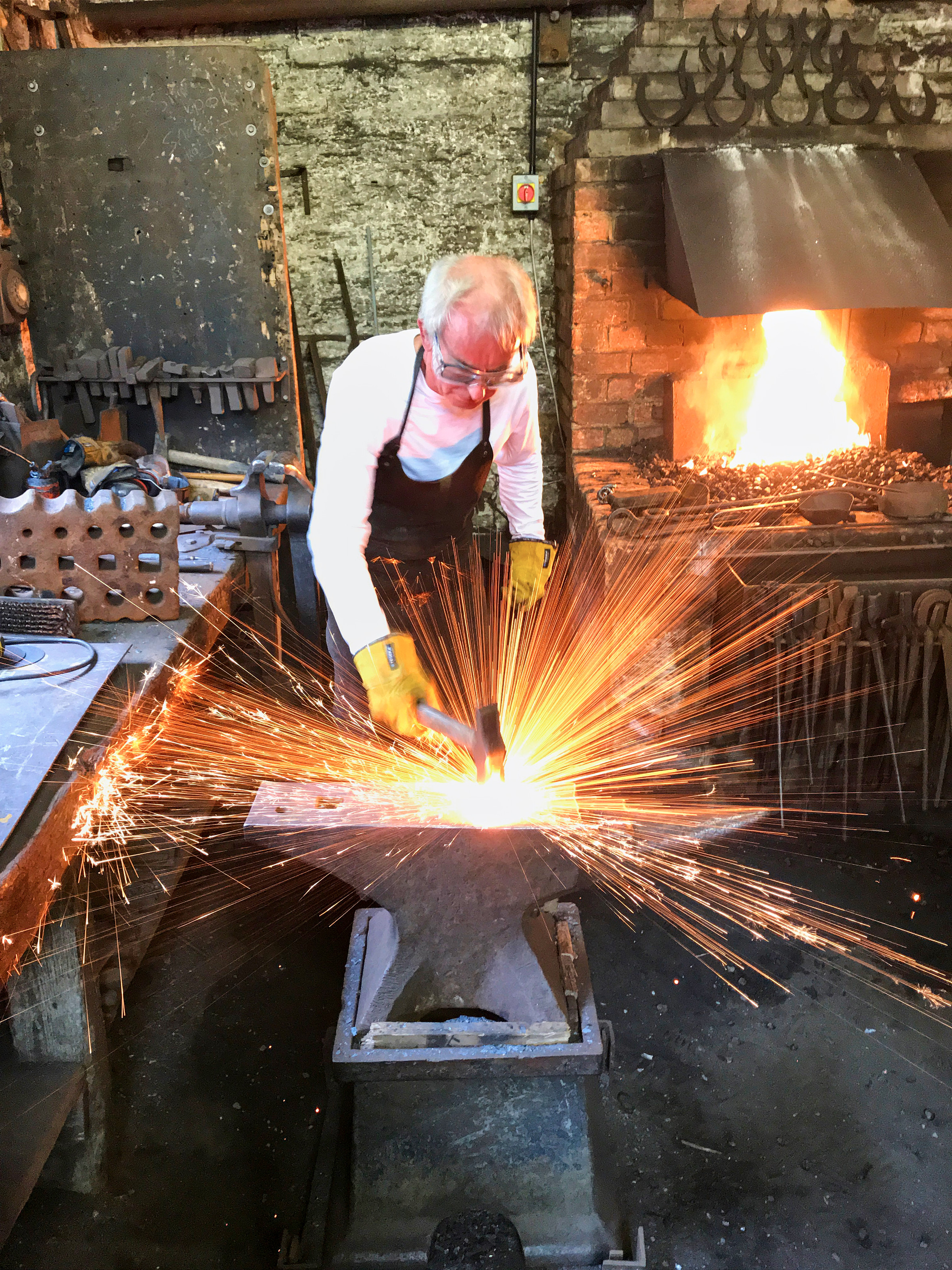 Chalk Pit Forge Home Blacksmith lessons and Courses in sussex